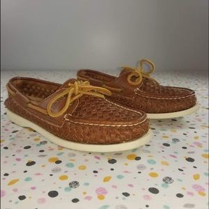 •Sperry• Papaya woven tan braided leather boat 8.5